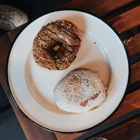 Das Foto wurde bei Brammibal's Donuts von Justin G. am 8/11/2017 aufgenommen