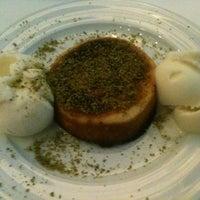 Foto tirada no(a) Beluga Fish Gourmet por Barış C. em 10/15/2012