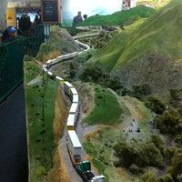Снимок сделан в San Diego Model Railroad Museum пользователем Dave C. 12/26/2012