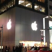 รูปภาพถ่ายที่ Apple Store โดย Hideaki I. เมื่อ 3/4/2013