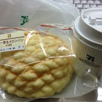 Photo taken at 7-Eleven by oh_tukky on 2/5/2013