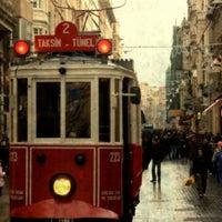 11/1/2013 tarihinde Eda G.ziyaretçi tarafından İstiklal Caddesi'de çekilen fotoğraf