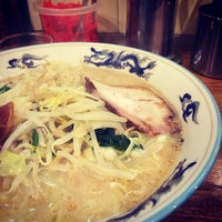 Photo taken at つけ麺・ラーメン れんじや by taku u. on 3/30/2014