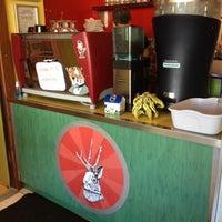 10/2/2012 tarihinde Cheryl F.ziyaretçi tarafından Jackalope Coffee & Tea'de çekilen fotoğraf