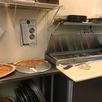 Photo taken at Anthony's Pizza & Pasta - Union by Jon Z. on 7/3/2017