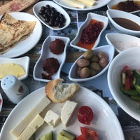 5/1/2018 tarihinde Burçin K.ziyaretçi tarafından Artemis Restaurant & Wine House'de çekilen fotoğraf