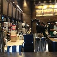 Photo taken at Starbucks by Ramon M. on 3/25/2013