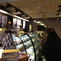 Photo prise au Starbucks Coffee par Ramon M. le4/7/2013