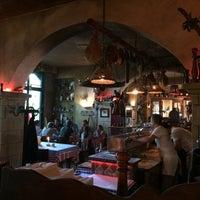 Das Foto wurde bei da YVONNE Trattoria Toscana von Andrey N. am 5/21/2017 aufgenommen