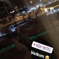 Снимок сделан в Rox Hotel пользователем Emrecan B. 12/1/2017