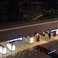 2/11/2014에 Huzaifa G.님이 Bengaluru Duty Free Store에서 찍은 사진