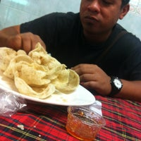 Photo taken at Restoran Redhza by Nasarudin M. on 3/2/2014