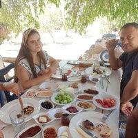 8/20/2017 tarihinde Levent Ö.ziyaretçi tarafından Yaşar Babanın Çiftliği Kahvaltı& Brunch Gözleme Mantı Pişi'de çekilen fotoğraf