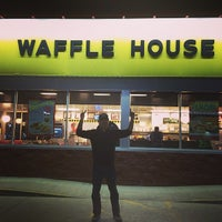 Photo taken at Waffle House by Enrique M. on 3/15/2014