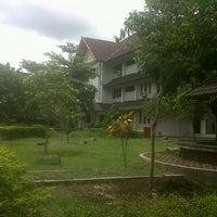 Photo taken at Gedung kriya seni ISI Yogyakarta by Baiq Rinda L. on 11/5/2012
