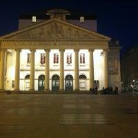 10/9/2012 tarihinde Jonathan D.ziyaretçi tarafından Muntplein / Place de la Monnaie'de çekilen fotoğraf