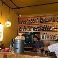 Foto tomada en Lorenzo / Café. Bar. por Damon S. el 7/1/2017