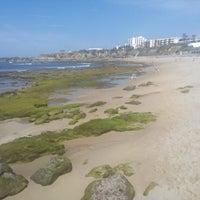 Foto tirada no(a) Praia de São Pedro do Estoril por Zé V. em 5/16/2014