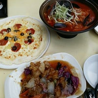 Photo taken at 이것이짬뽕 동판교점 by Hyunjin K. on 8/18/2013