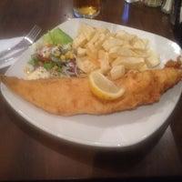 Foto tomada en Kingfisher Restaurant por carlo m. el 8/24/2014