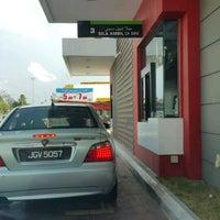 Photo taken at McDonald's Kok Lanas Drive Thru by Ariff A. on 3/25/2017