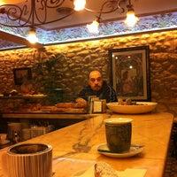 รูปภาพถ่ายที่ Cafeteria 1900 โดย Cambronne T. เมื่อ 1/2/2013
