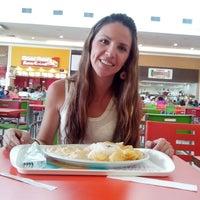 Photo taken at Vivenda do Camarão by Flavia V. on 3/4/2014