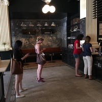 6/10/2017 tarihinde Chemmy H.ziyaretçi tarafından Rival Bros Coffee Bar'de çekilen fotoğraf