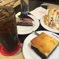 Photo taken at Secret Recipe by Canmoo on 4/3/2016