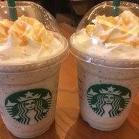 Photo prise au Starbucks par ゆき le9/16/2017