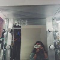 Снимок сделан в Brow Up! and Make Up пользователем J ú l î ä ✨. 3/13/2016