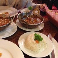 Photo taken at Guru Kebab y Curry by Carlos Augusto L. on 5/4/2013