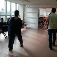 Photo taken at tepecik eğitim araştırma hastanesi kas hastalıkları polk. by TC İbrahim D. on 11/15/2013