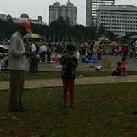 Photo taken at The Jakarta Marathon 2013 by Herman J. on 4/13/2014