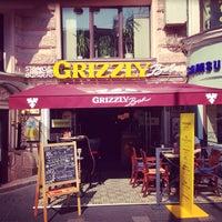 Снимок сделан в Grizzly Bar пользователем Pavel M. 8/3/2013