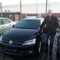 Photo taken at Volkswagen Genser by Alexander S. on 3/21/2014