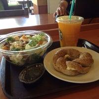 1/24/2014 tarihinde Aybars B.ziyaretçi tarafından Starbucks'de çekilen fotoğraf