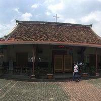 Photo taken at Gereja Santa Maria de Fatima Toasebio by Yulianus L. on 3/19/2017