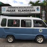 Photo taken at Pasar Klandasan by Yulianus L. on 4/8/2017