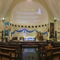 Photo taken at Gereja Santa Theresia by Yulianus L. on 5/25/2017