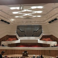 Photo taken at Kulturpalast by derbaum on 11/15/2017