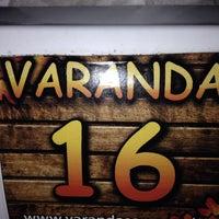 Foto tirada no(a) Varanda Lanches por Rodrigo C. em 12/19/2013