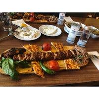 Foto tirada no(a) Çakıl Restaurant - Ataşehir por Sahar G. em 3/16/2018
