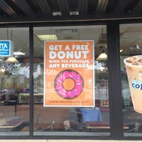 Photo taken at Dunkin' Donuts by Selena F. on 6/7/2013