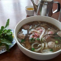 Photo taken at Phở Huỹnh Hiệp 2 - Kevin & Chris's Noodle House by Redacted on 4/7/2013