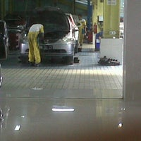 Photo taken at Honda Soekarno Hatta by Zi N. on 4/26/2013