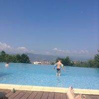 Photo taken at Swimming Pool by Esra E. on 7/21/2014