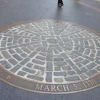Foto tirada no(a) Boston Massacre Monument por Reina Q. em 5/2/2013