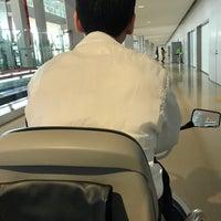 Photo taken at KIX Gate 25 関西国際空港 25番ゲート by あんこうタクシー2号 on 1/25/2017