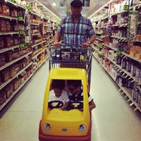 Photo taken at Giant Food Store by Alex T. on 5/26/2014